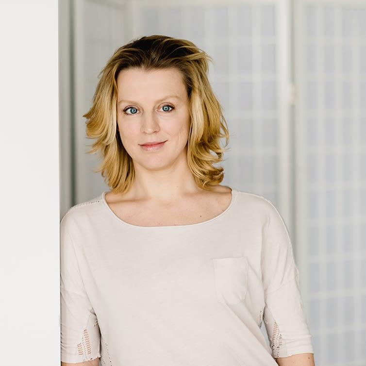 Seelenhaus-Beraterin, Victoria Louca